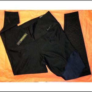 Nike Leggings sz M   New Condition